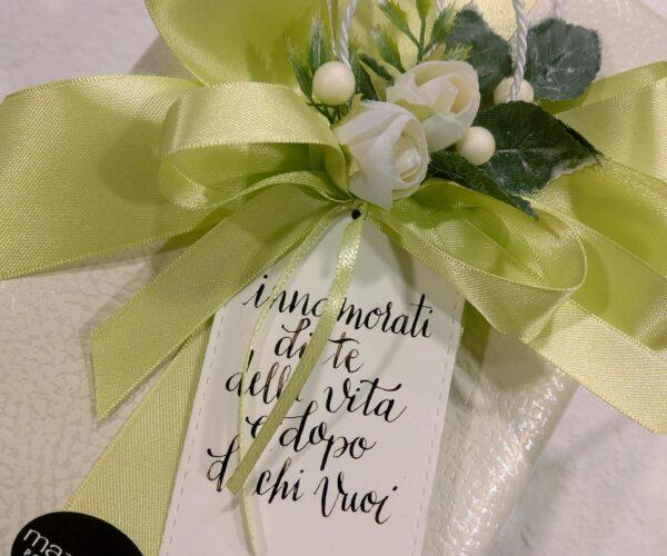 Pacchetto regalo con biglietto artigianale - verde
